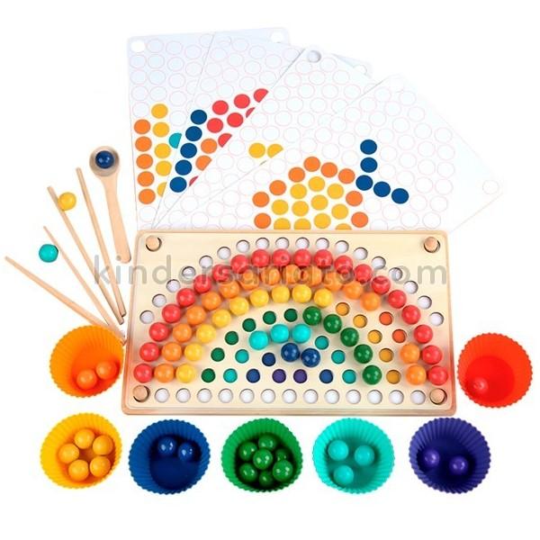 Tablero Montessori arcoíris con bolitas (Rainbow clip beads)